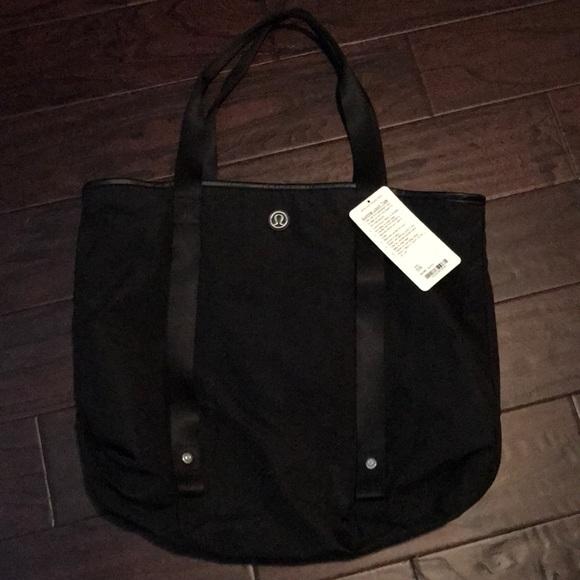 8c8c4b6577a lululemon athletica Bags | Brand New Lululemon Summer Lovin Tote In ...